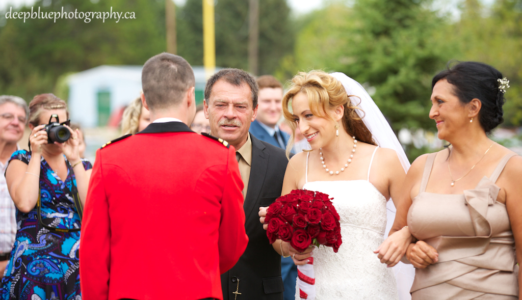 Photo of Hannah and Jocelyn At Their Country Wedding In Wetaskiwin