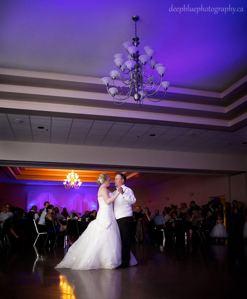 Woodvale Golf and Country Club Wedding First Dance