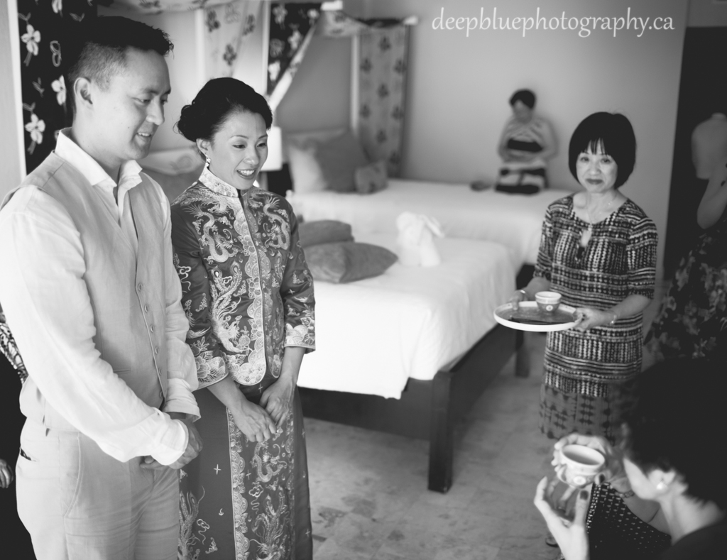 Photo of Chinese Tea Ceremony By Mexico Destination Wedding Photographers Deep Blue Photography