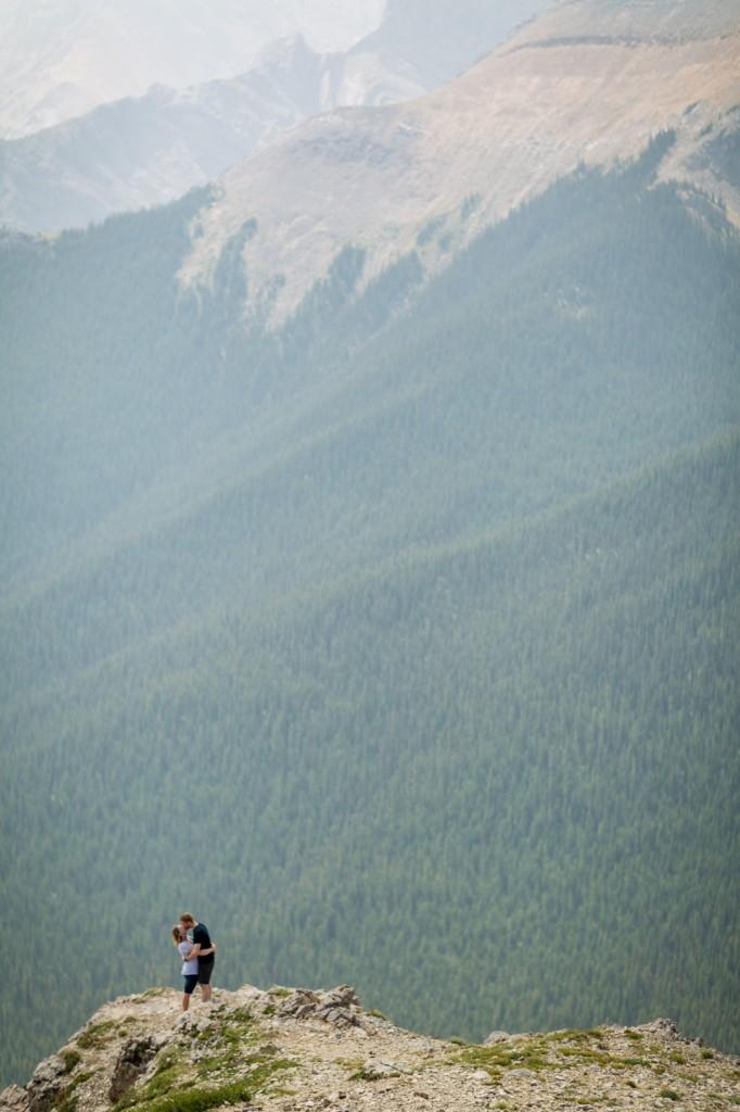 sulphur skyline engagement pictures in Jasper