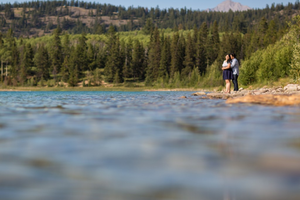 Engagement picture in Jasper at a lake