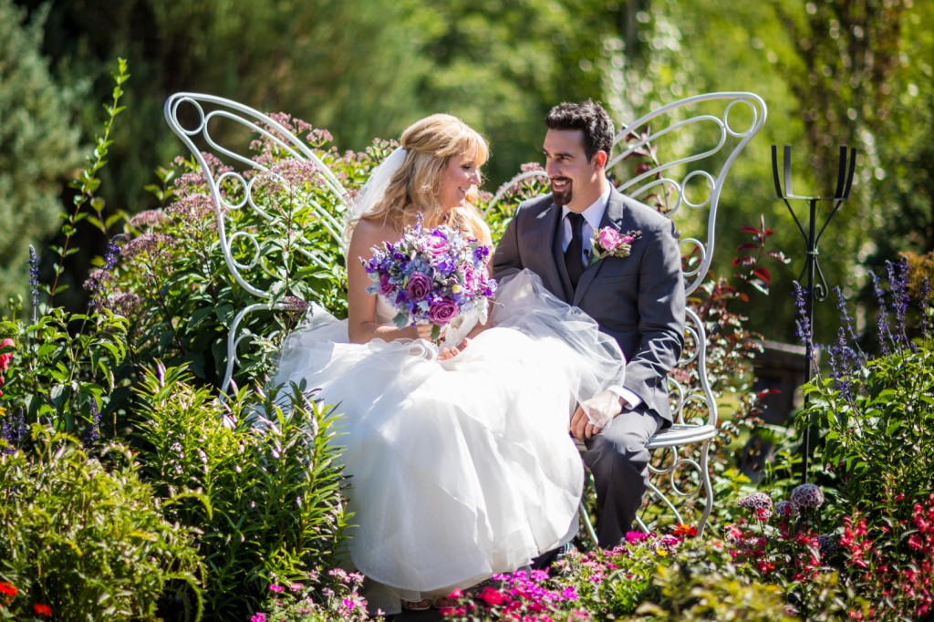 Summer wedding at Hastings Lake Gardens