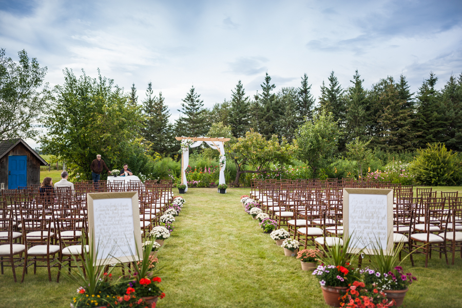 elegant country wedding edmonton - outdoor ceremony