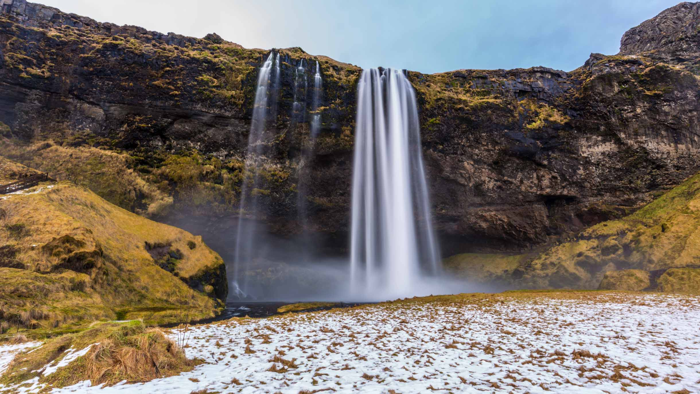pictures of the seljalandsfoss waterfall iceland while we were visiting the Southern Iceland Waterfalls