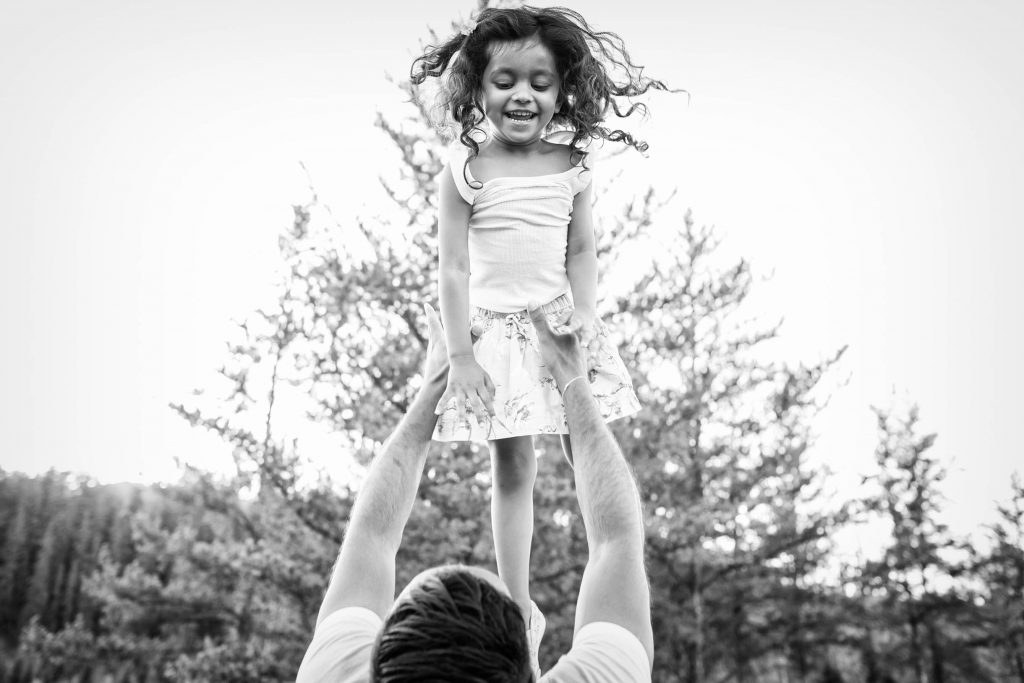 Picture of dad and daugther - Edmonton Family Photography by Deep Blue Photography
