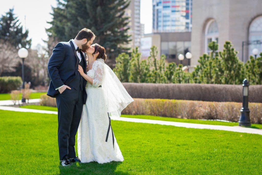 Edmonton Fairmont Wedding - Spring wedding portraits