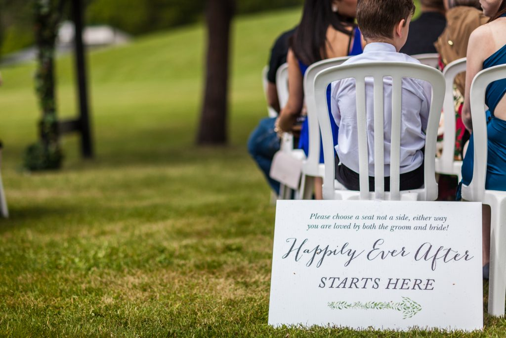 Cute wedding side for outdoor summer wedding at Snow Valley