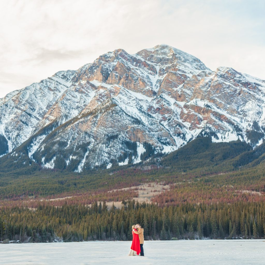 Mountain wedding photos at Pyramid Lake