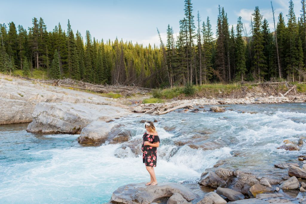 Elbow River Falls maternity pictures by Deep Blue Photography