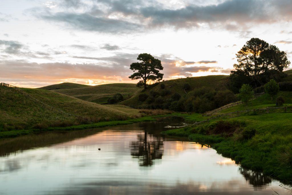hobbiton duck pond sunset tour