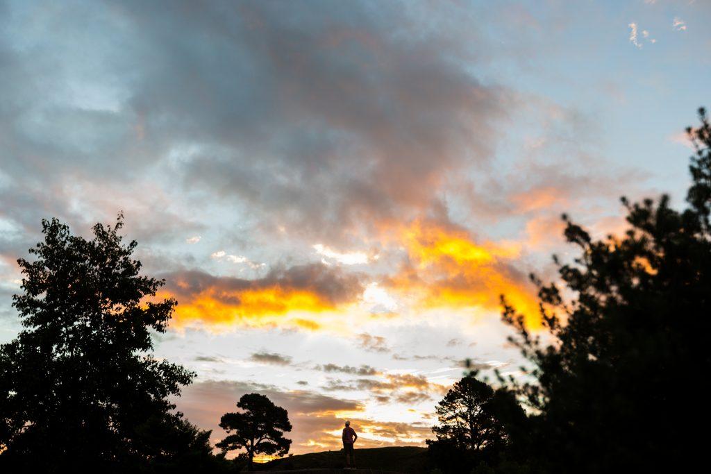 sunset selfie hobbiton tour