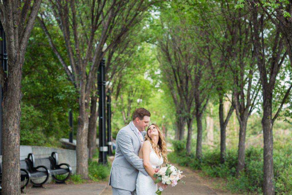 summer wedding portraits in edmonton
