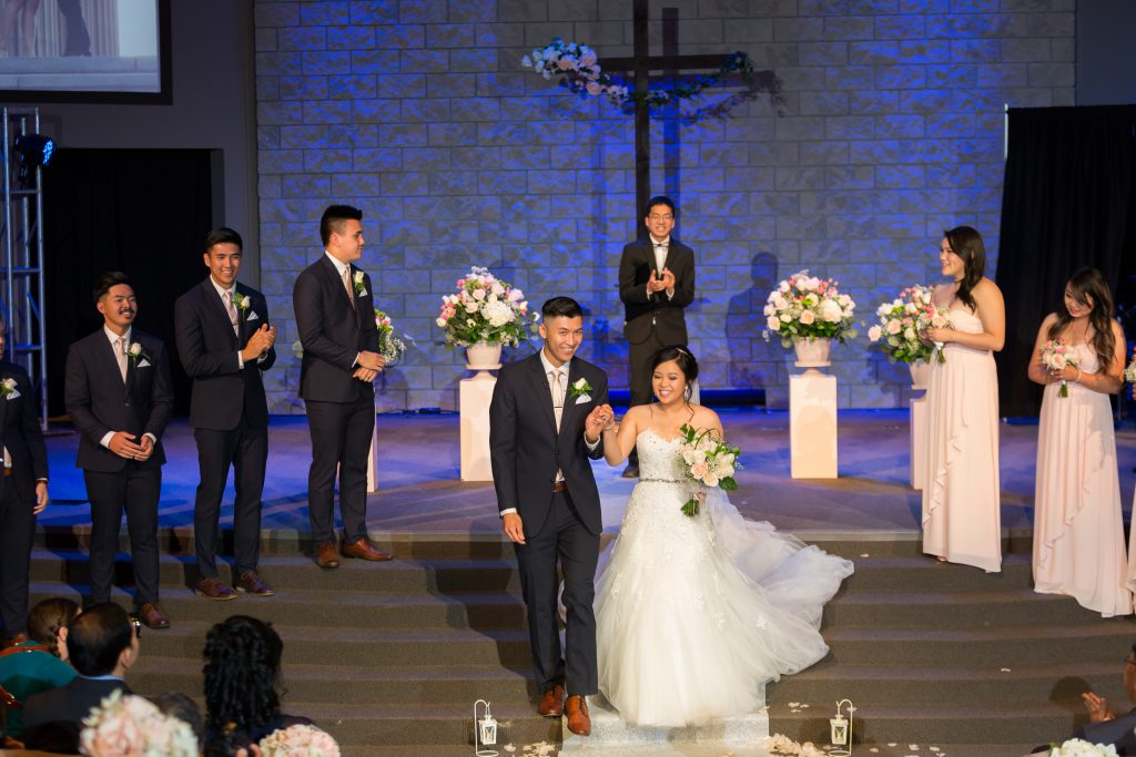 north pointe community church wedding ceremony photos