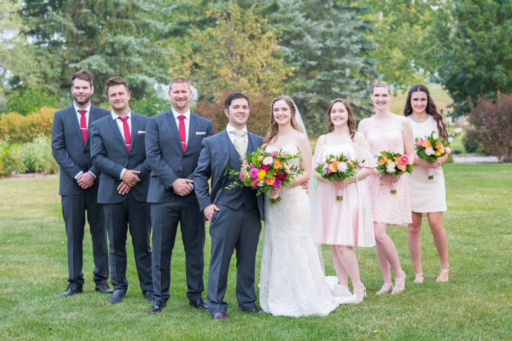 navy and blush outdoor wedding
