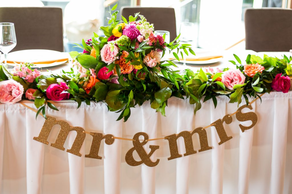 head table decor and flowers