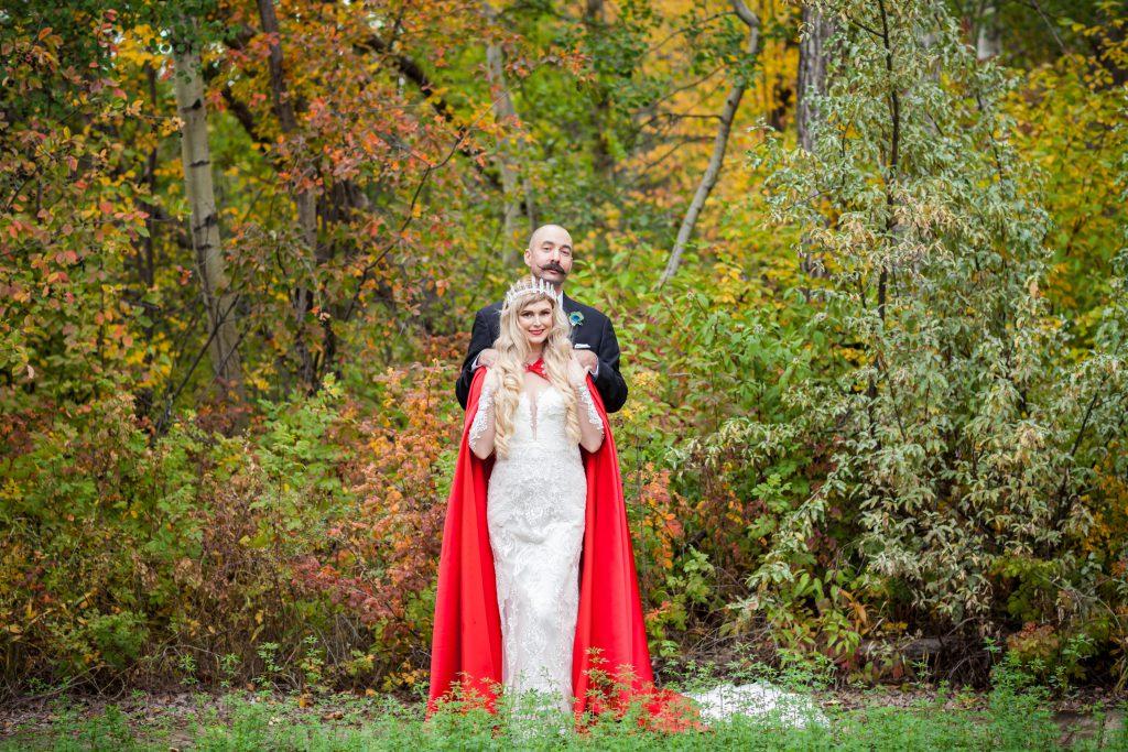 romantic autumn wedding fort edmonton park