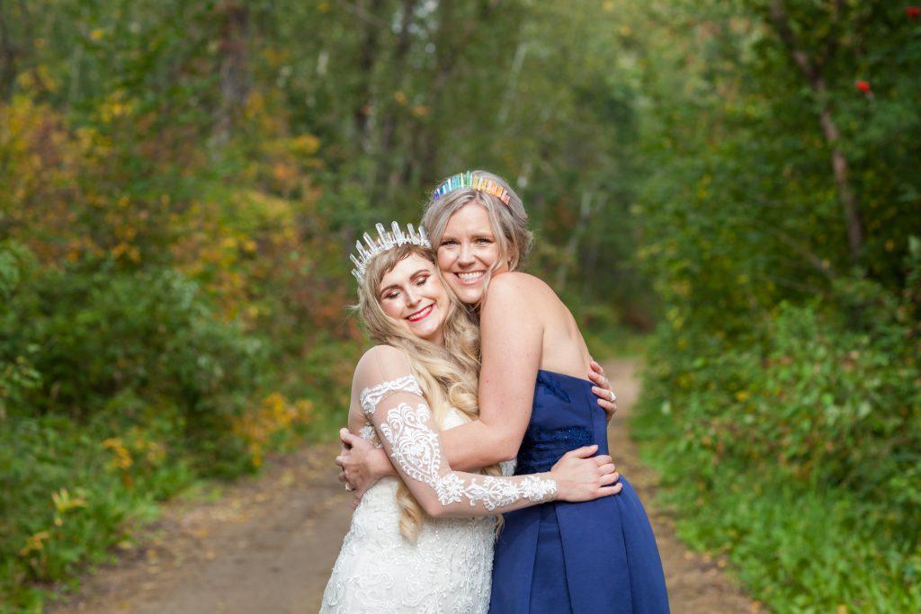 bride and bridesmaid portriat