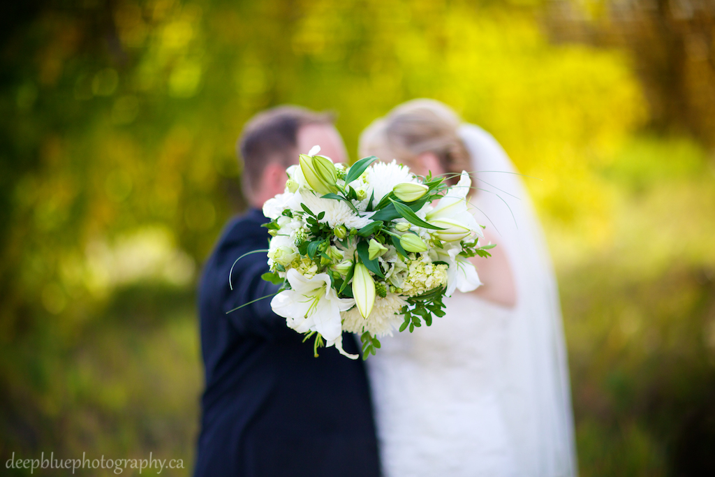 Cute Kissing Wedding Portrait