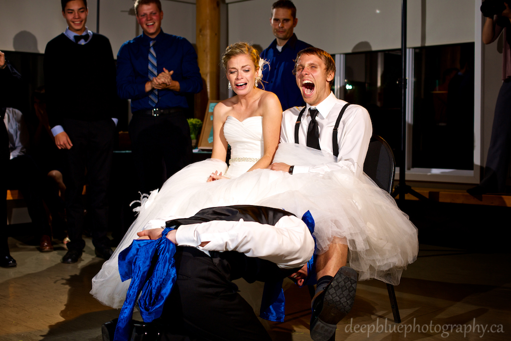 Garter Toss Hilarious Photo of Best Man