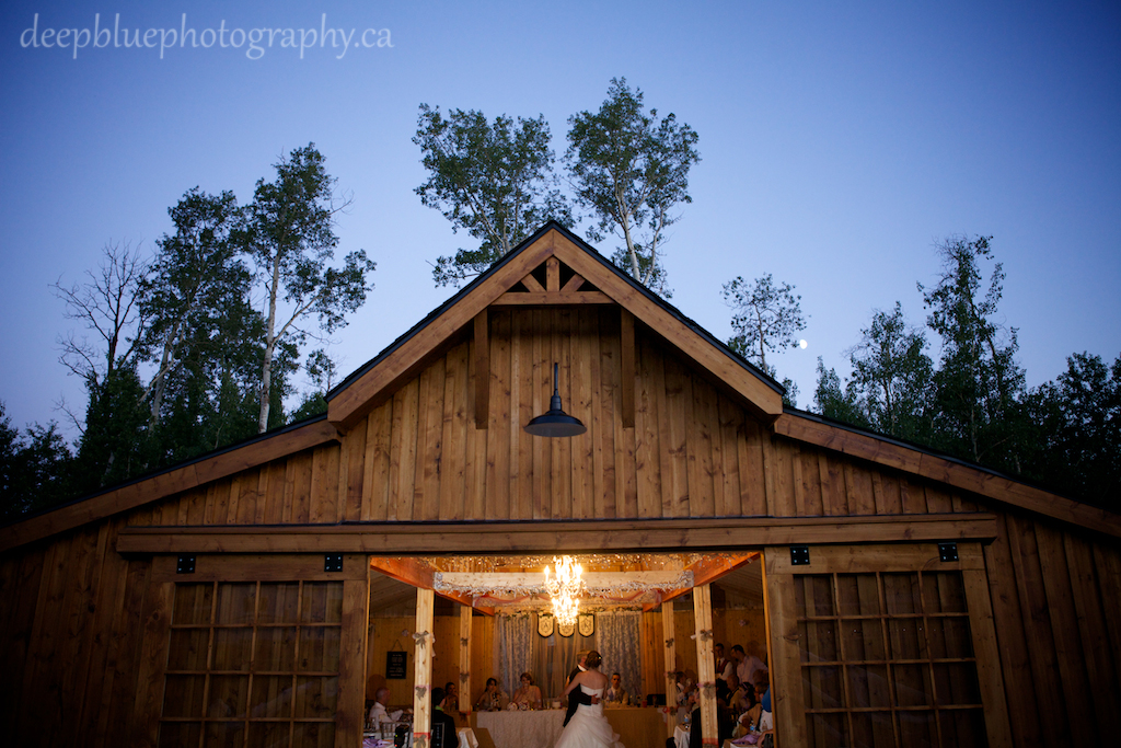 Country Wedding Photography rustic barn reception