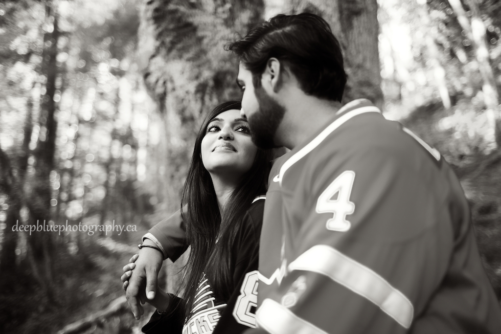 Monica and Aaron, romantic hockey engagement