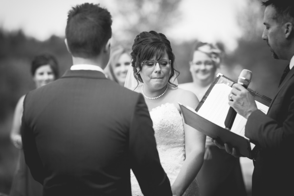 Edmonton Deep Blue Photography - Lions Garden Wedding Pictures