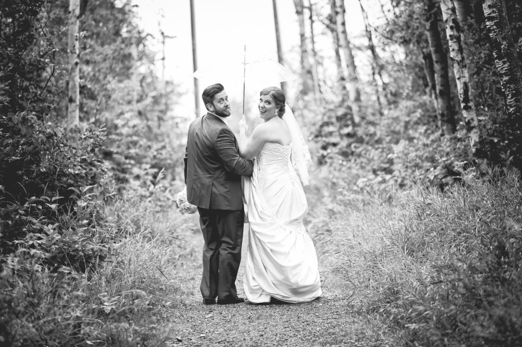 Outdoor Wedding Photo Idea