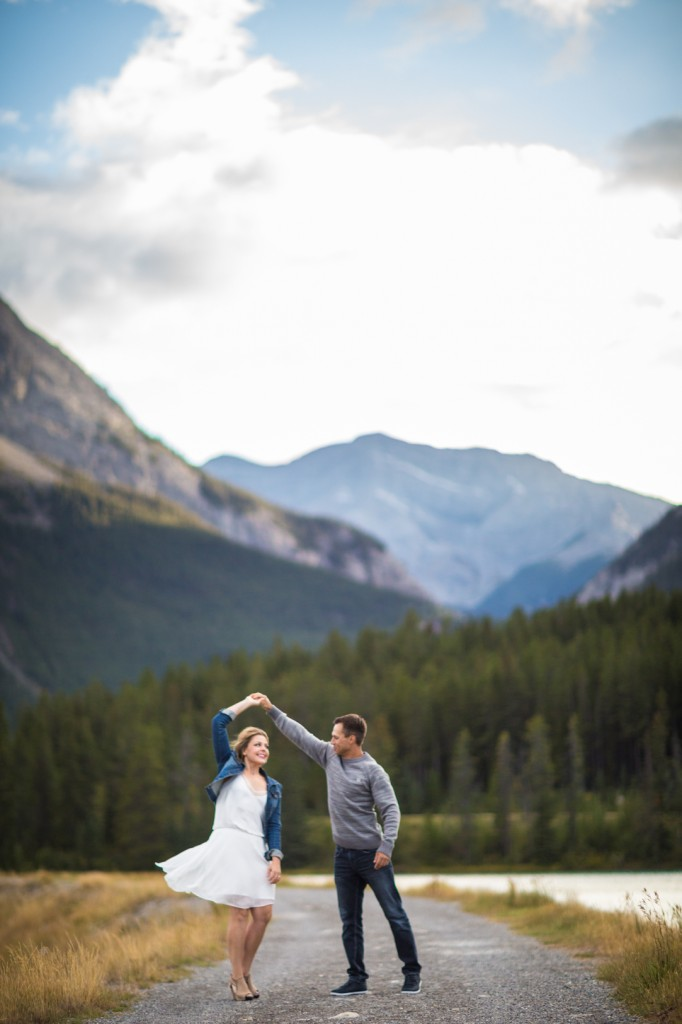 Mountain Engagement Photographers
