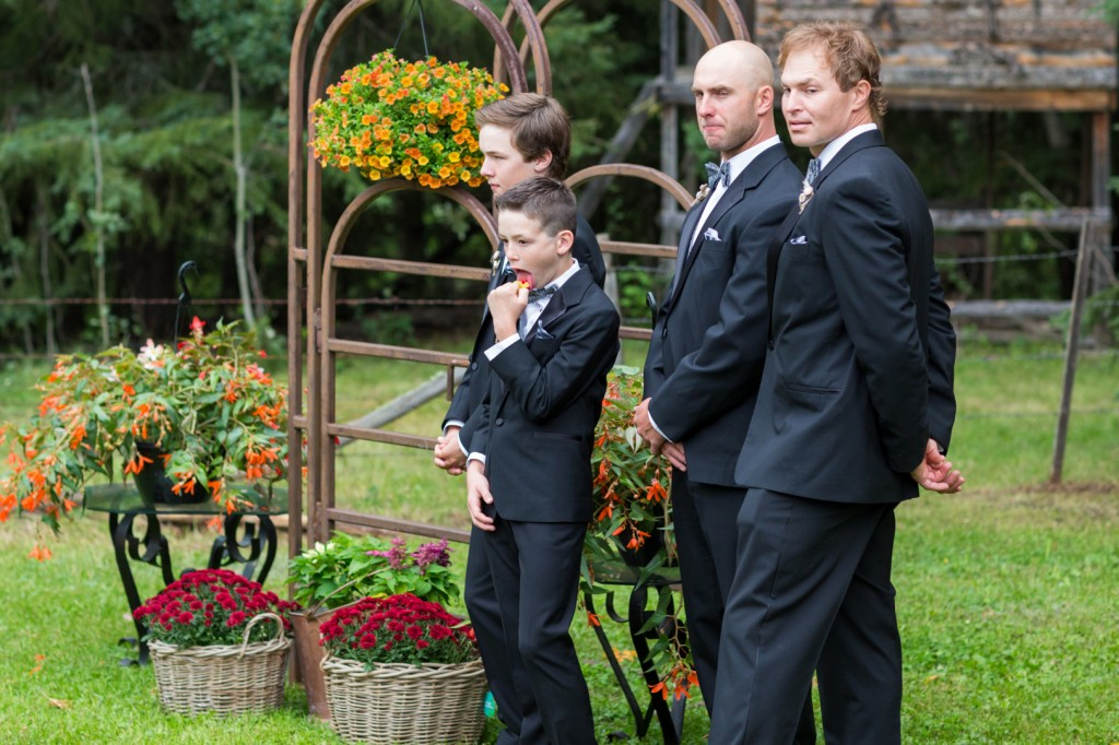 Candid Groomsmen Photos