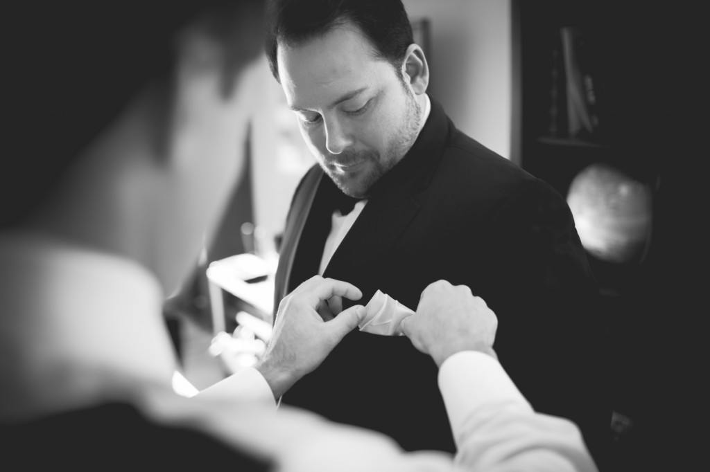 Best Man Getting Ready