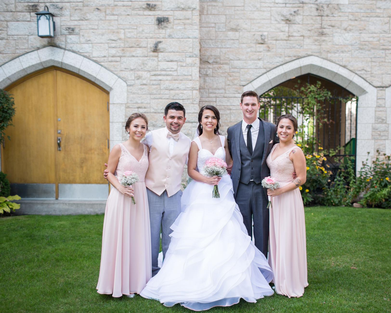 Fun Family Photos at Weddings