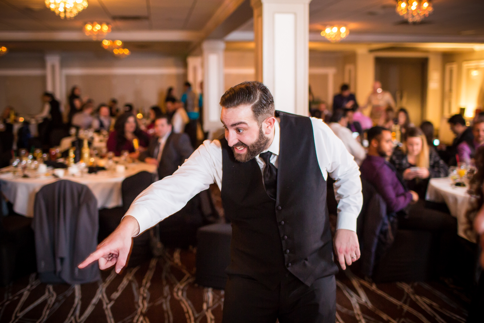 fun wedding dance photos