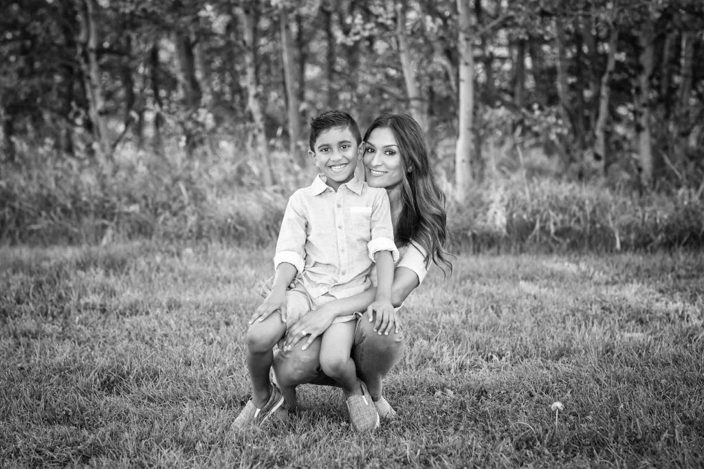 Picture of mom and son during family photos in Edmonton