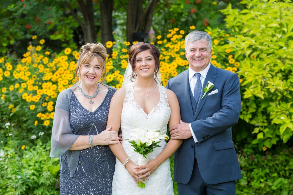 wedding photos at oasis centre garden
