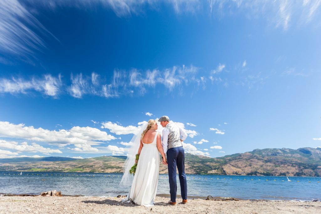 Lake Okanagan wedding photos