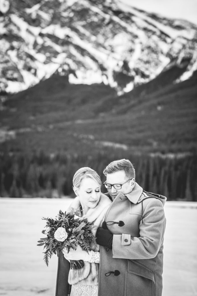 Romantic black and white winter wedding portraits