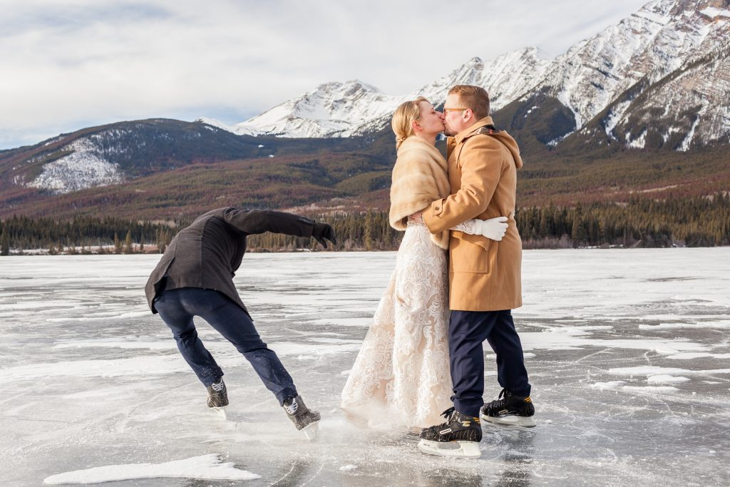 Pyramid Lake is the perfect location for winter wedding portraits