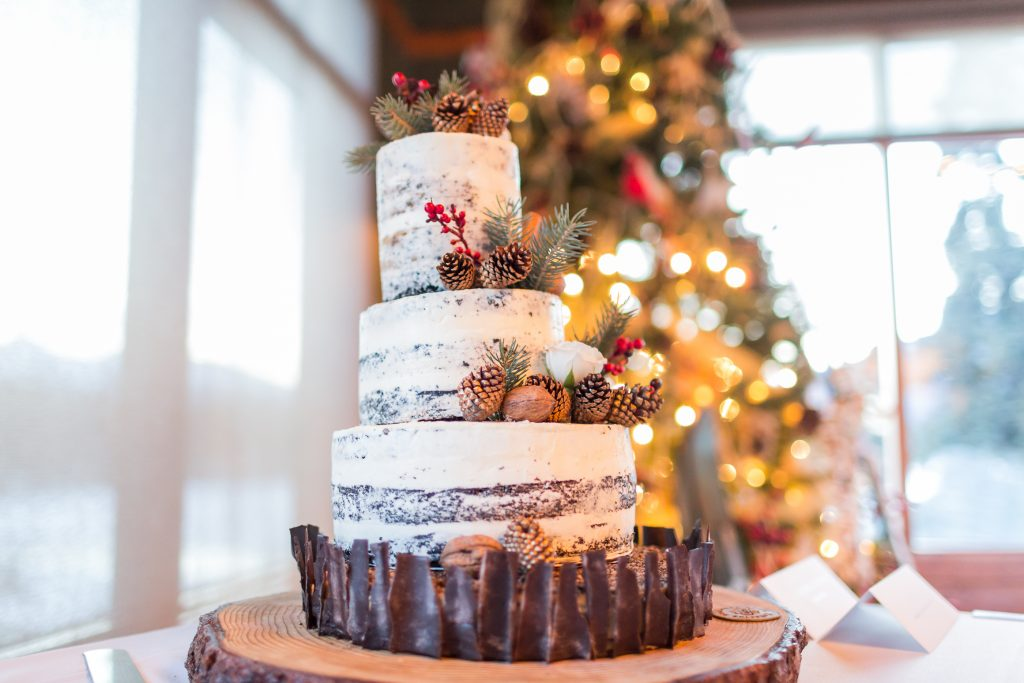 Rustic wedding cake at Pines Restaurant at Pyramid Lake Lodge in Jasper