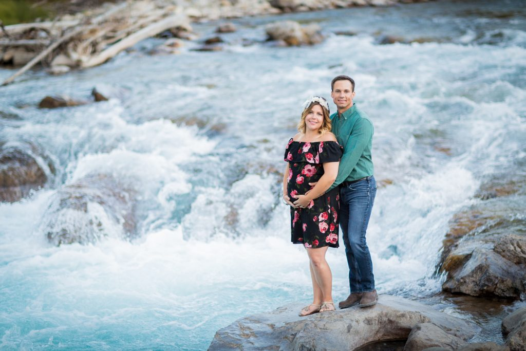 Edmonton maternity photographers at elbow falls