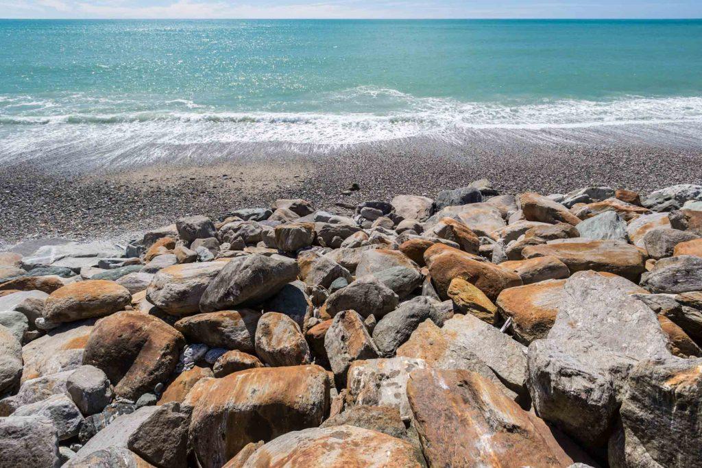 beach rocky area new zealand south island