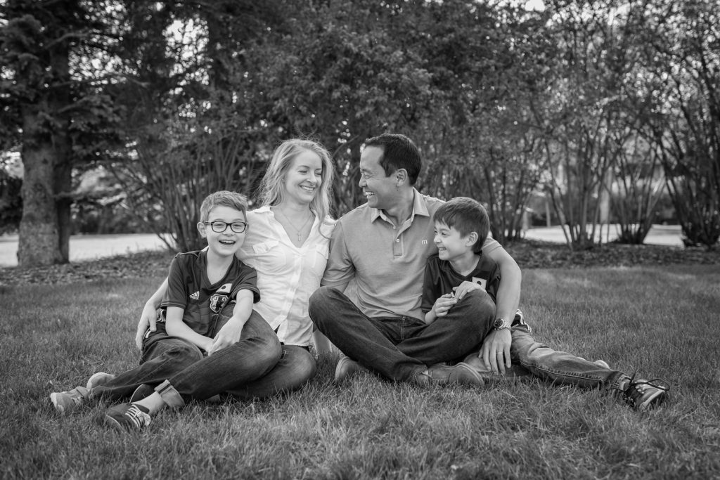 Outdoor family portrait photographers Edmonton