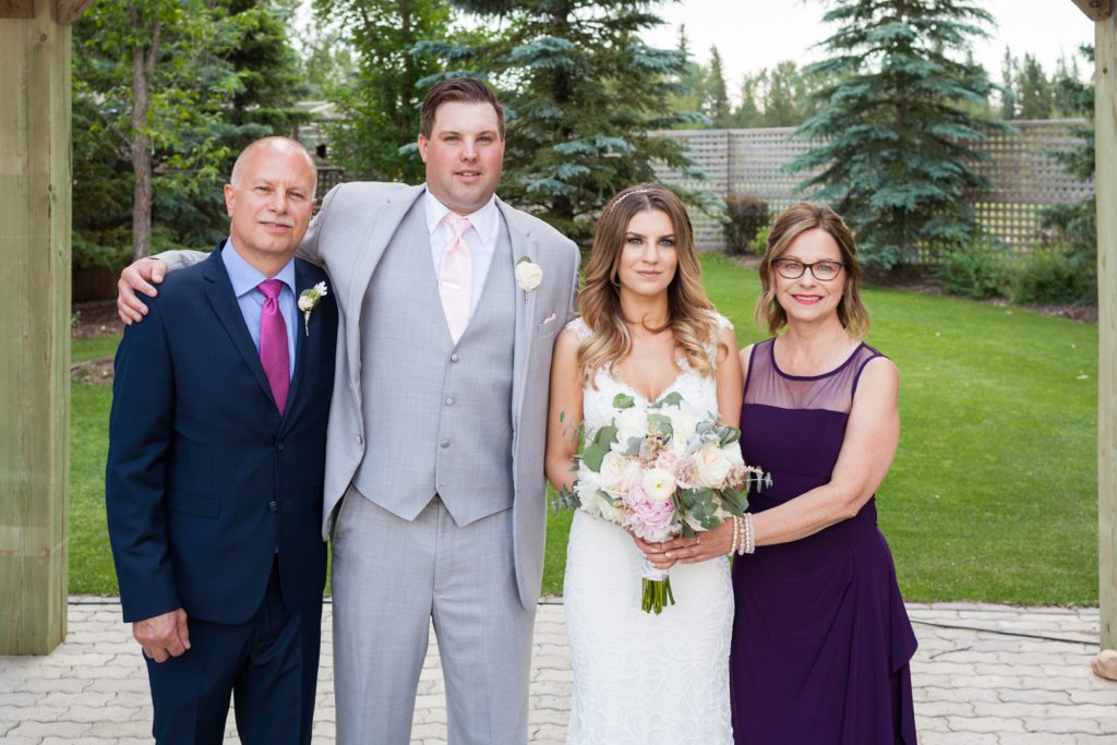Wedding portraits with family memebers