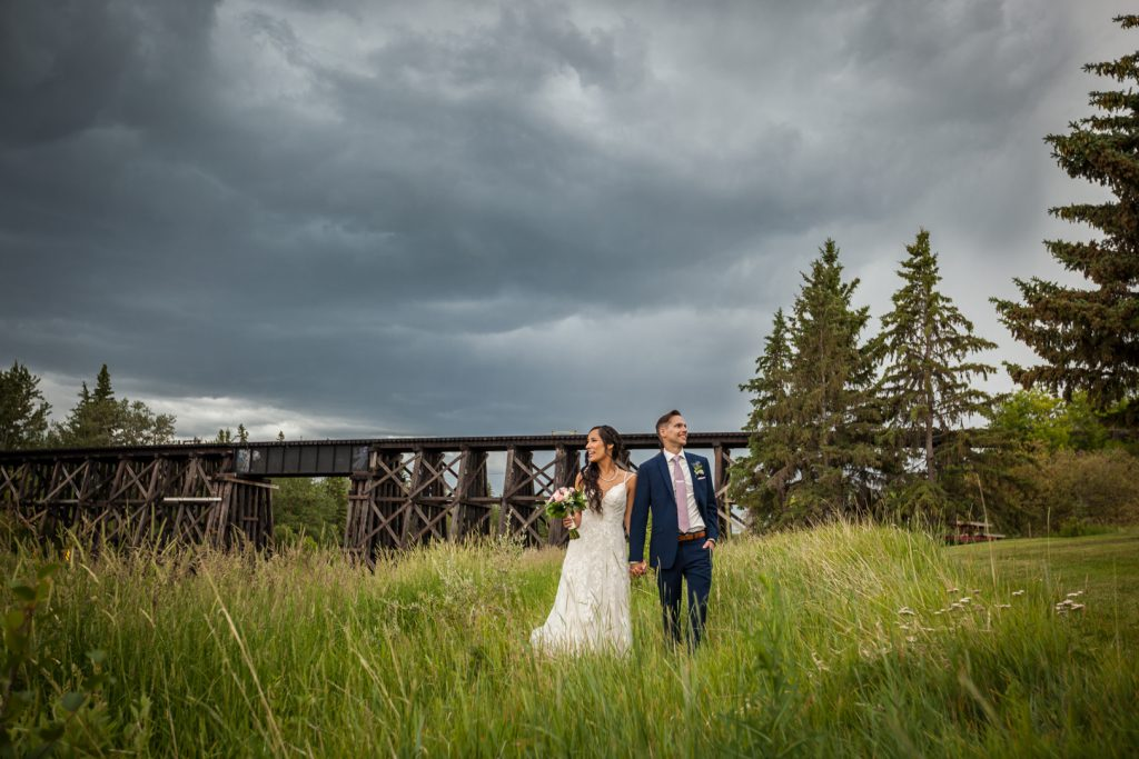 St albert wedding portraits at lions park