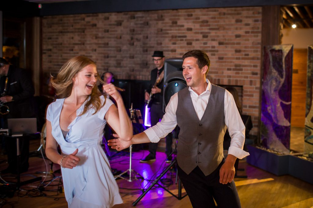 Royal Mayfair Golf club wedding dance