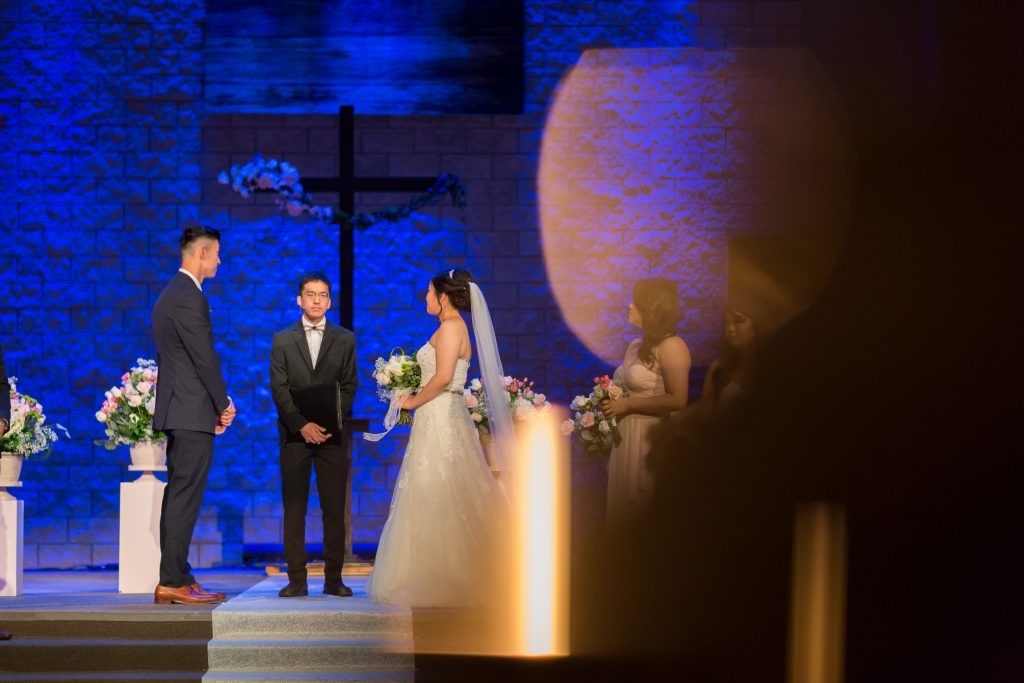 deep blue photography wedding ceremony photos