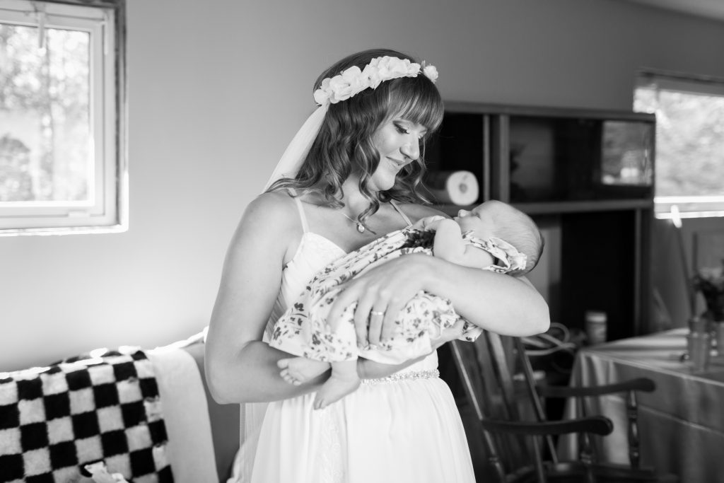 bride and her niece