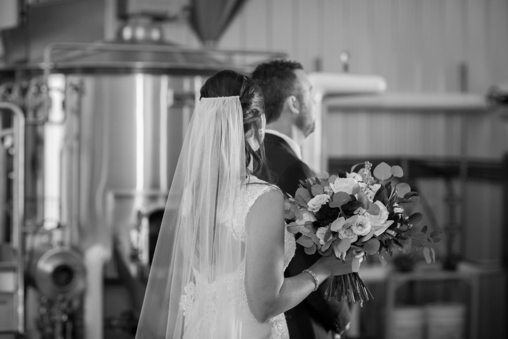 endeavour brewing company wedding photos