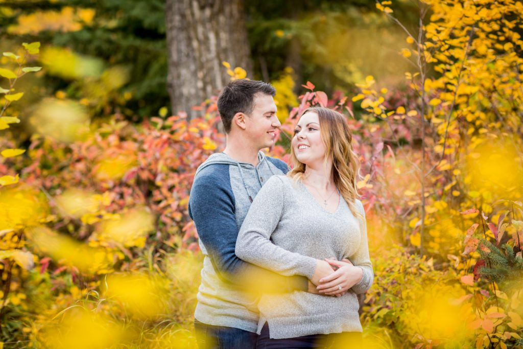 Autumn engagement photos at Snow Valley