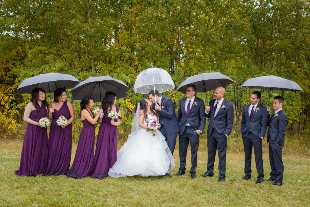 rainy wedding party photos