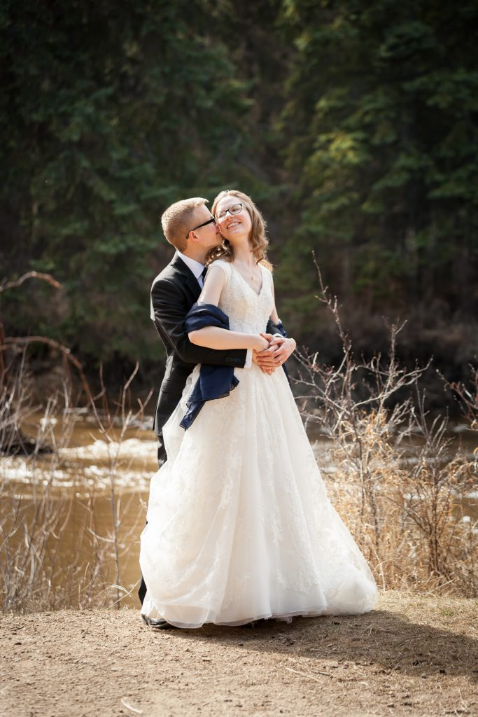 romantic spring wedding photos in edmonton